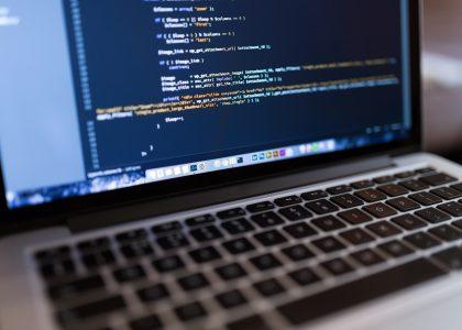 Apple laptop beeld code